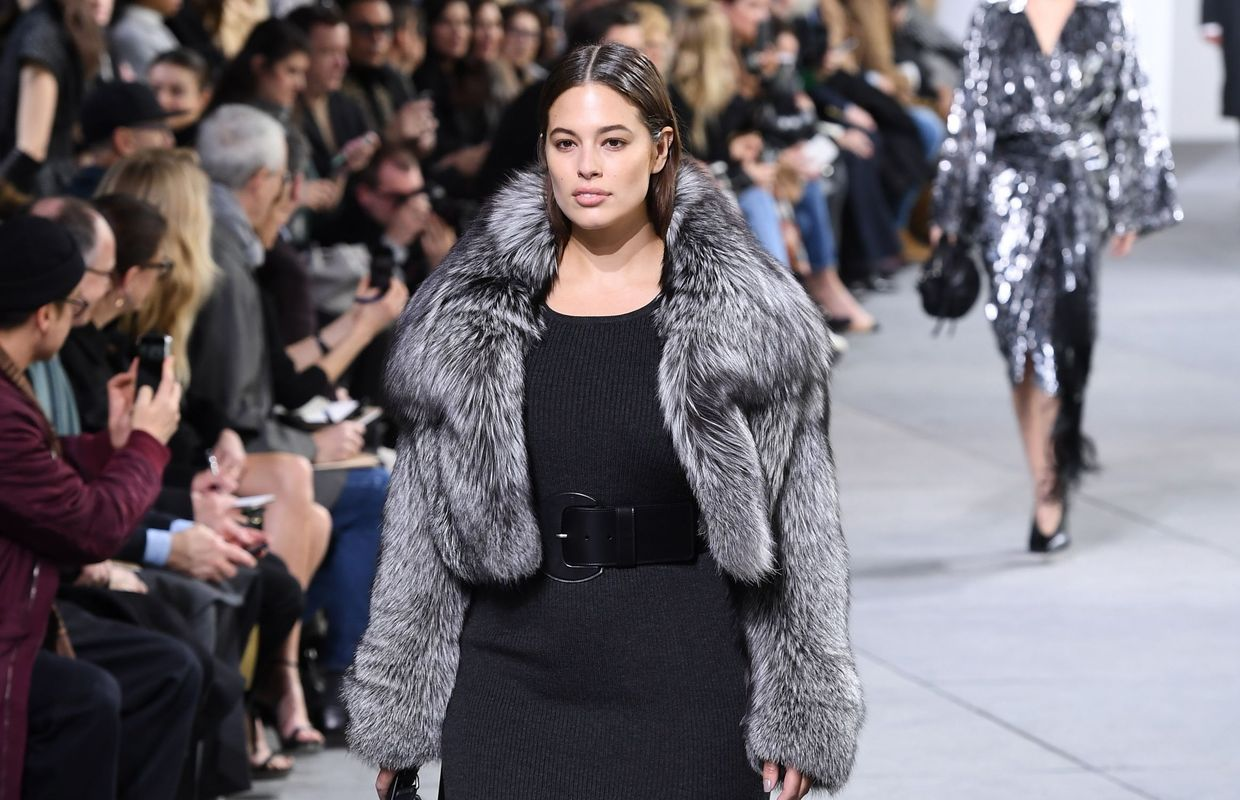 Ashley Graham, taille 48, défile pour Michael Kors