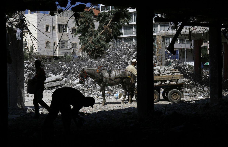 Les humanitaires sous pression gaza apr s l 39 arrestation de deux travail - Evacuation des gravats ...