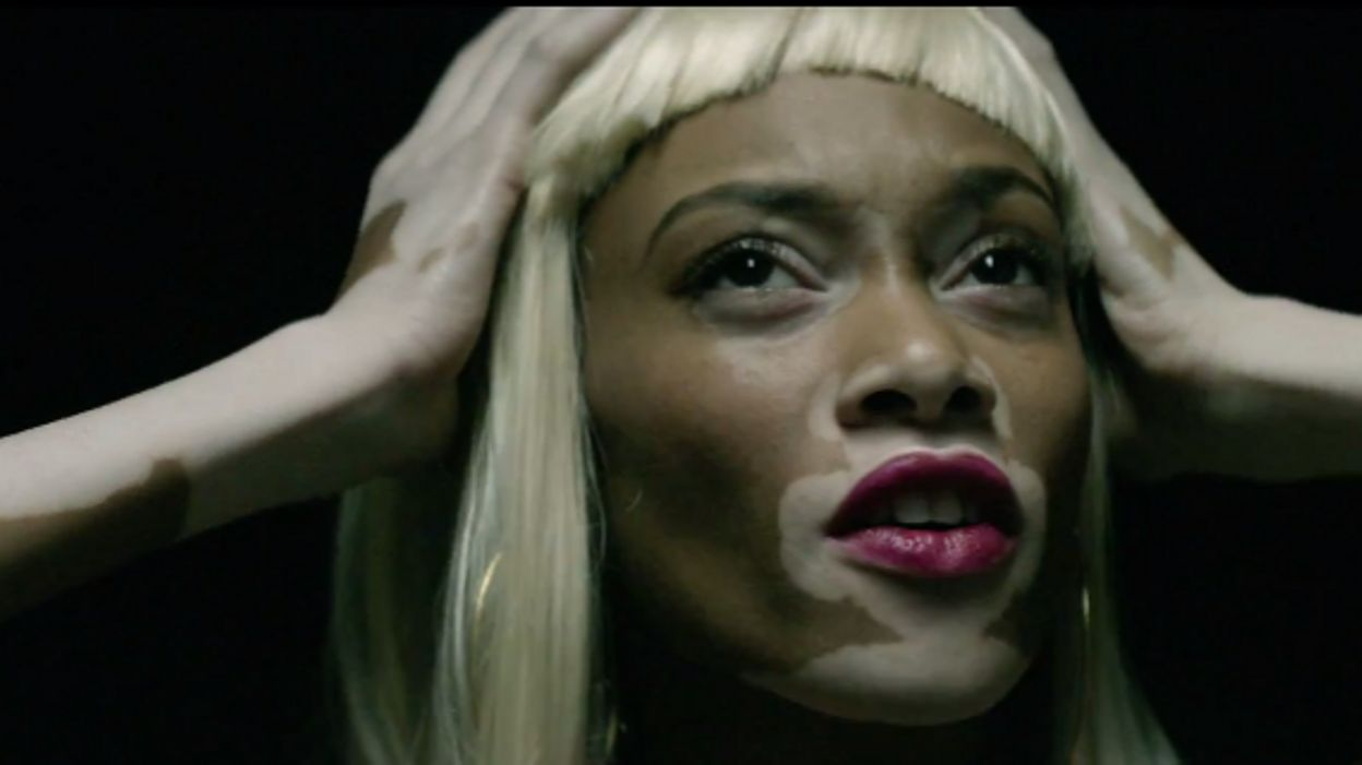 Clip: Sia dans le clip d'Eminem