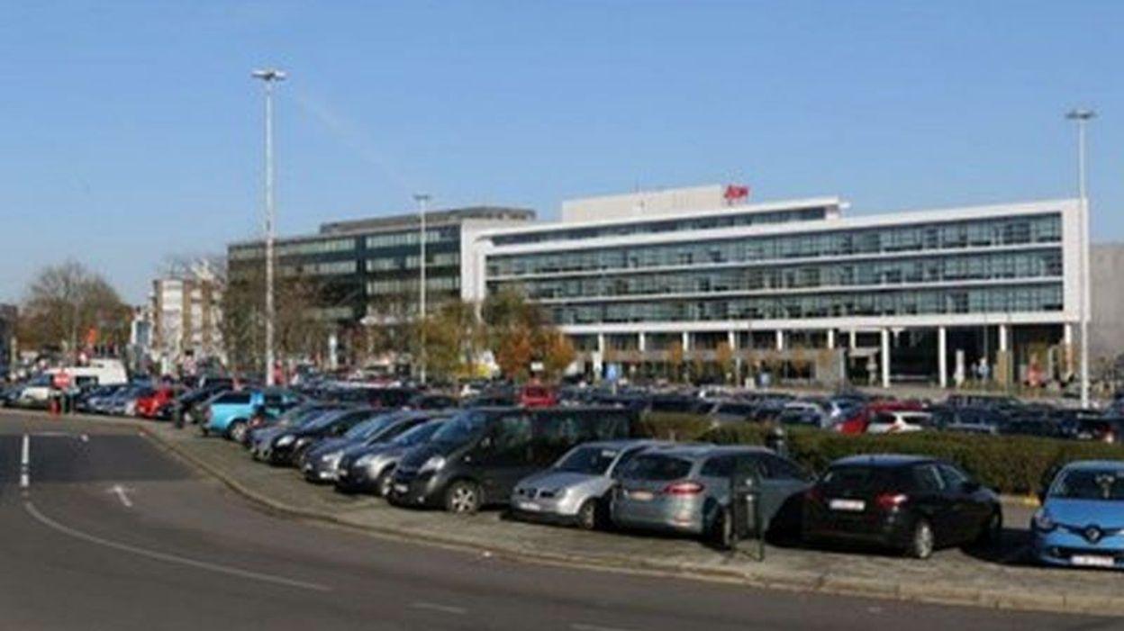 Parking de dissuasion 10 000 places aux portes de for Parking f porte de versailles