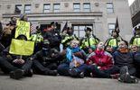 Des manifestants anti-Trump provoquent des incidents dans le centre de Washington