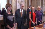 """Le roi Philippe en visite chez les """"rebelles"""" de la Fédération Wallonie-Bruxelles"""