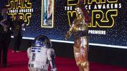 """Ovations et cris de joie pendant la première du nouveau """"Star Wars"""""""