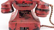 """Le """"téléphone de la destruction"""" d'Hitler vendu 243 000 dollars"""