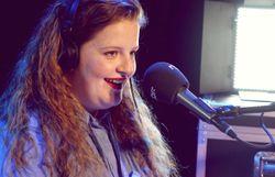 Frances en interview et session live