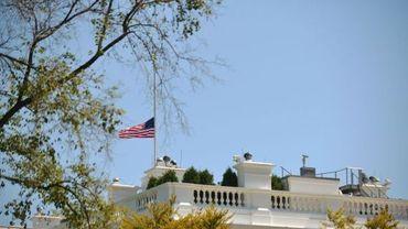 Drapeau en berne à la Maison Blanche à Washington