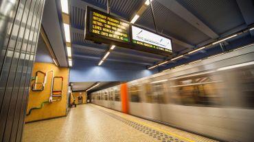 """La STIB annonce qu'elle fait """"tout ce qu'il est possible pour garantir une sécurité maximale sur le réseau de transport public mercredi matin""""."""