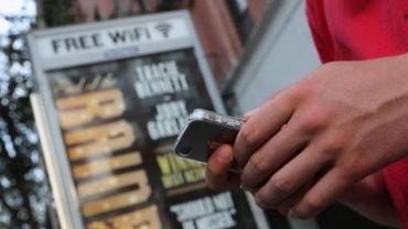 Cinq villes wallonnes choyées par le gouvernement wallon: elles seront les premières à avoir le wi-fi gratuit