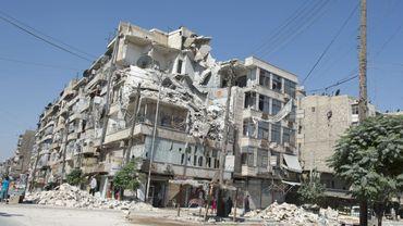 Combats acharnés à Alep, nouvelles manifestations anti-régime en Syrie