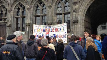 Les manifestants ce matin sur la grand-place de Mons