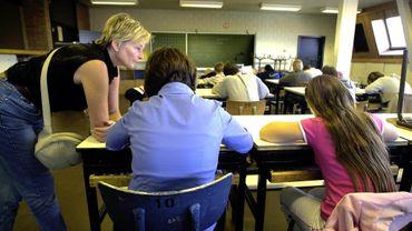 Les adolescents plutôt bien dans leur peau, en famille ou à l'école
