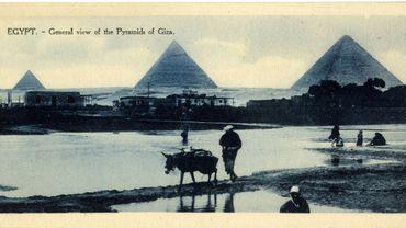 Carte postale, Vue générale des pyramides, début du 20e siècle