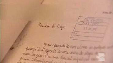 Comment Elio Di Rupo gère-t-il tout son courrier ?