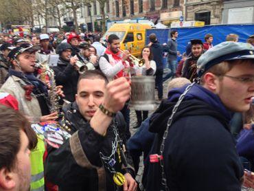 Bruxelles: les photos du cortège de la Saint-V