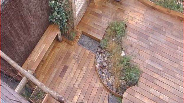 Les terrasses en robinier rtbf jardins loisirs - Terrasse en robinier ...