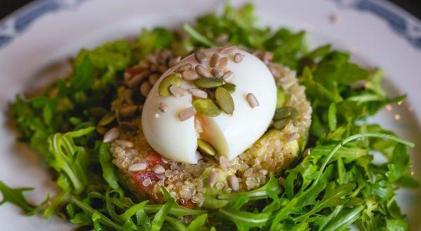 Les recettes de l'été : salade de quinoa aux oeufs mollets