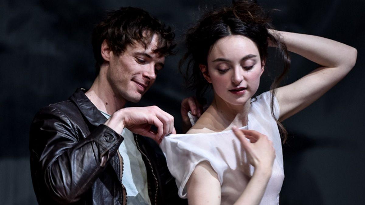 Mathieu Sampeur et Mélodie Richard dans La Mouette de Tchékov, m.e.s de Thomas Ostermeier.