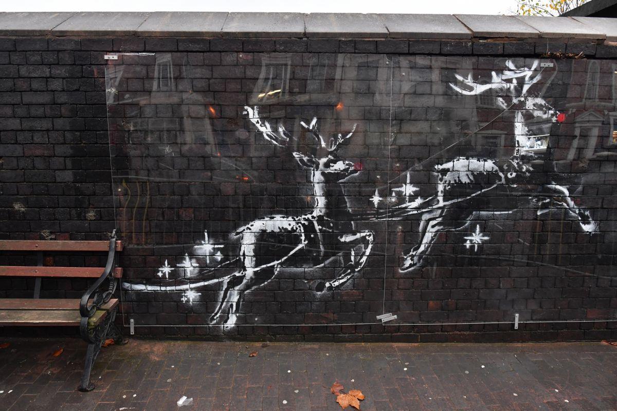 Banksy frappe fort avec une mini-vidéo de Noël poétique qui charrie des sentiments très variés