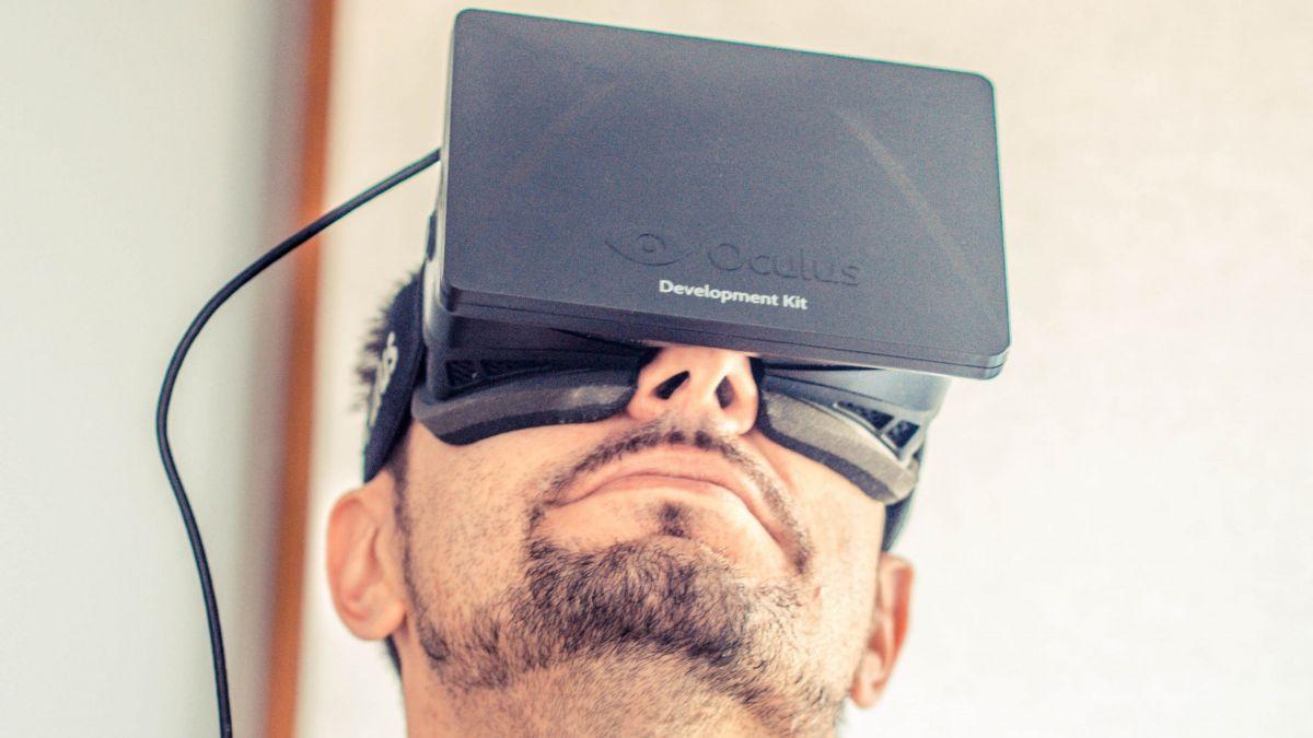 L'Oculus Rift est le premier casque de réalité virtuel développé depuis 2012.
