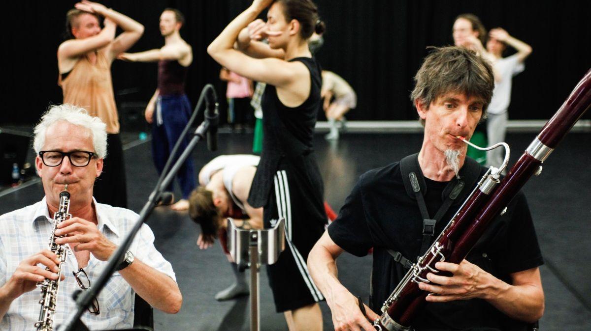 """Story Water"" Emanuel Gat Ensemble Modern"