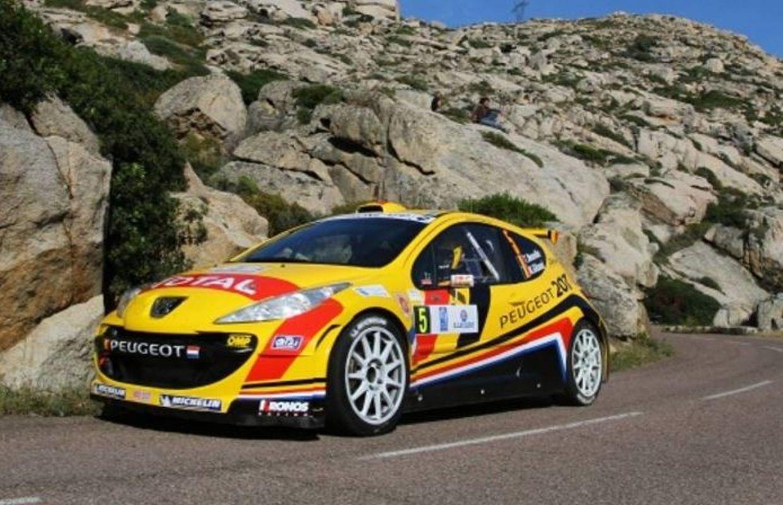 Tour de Corse: Neuville garde la tête, Ogier cède du terrain