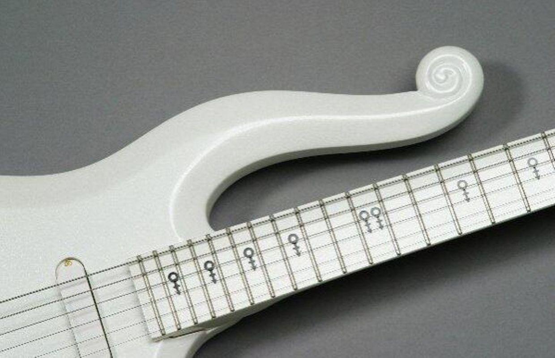 Cloud Guitar et la copie Télécaster Hohner HG 490 de ...