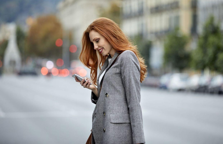cbd1b3b41cd Comment bien porter le blazer femme   4 astuces stylées