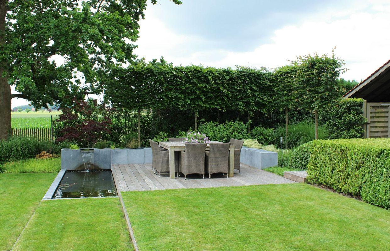 Un jardin paysager contemporain avec vue sur Mont-Saint-Aubert
