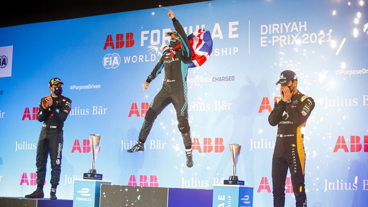 Formule E : Sam Bird remporte l'E-Prix de Diriyah, Vandoorne 18e - RTBF
