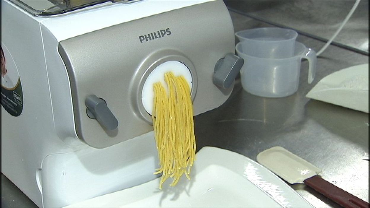 Philips pasta maker on a test le nouvel appareil - Machine a pate penne ...