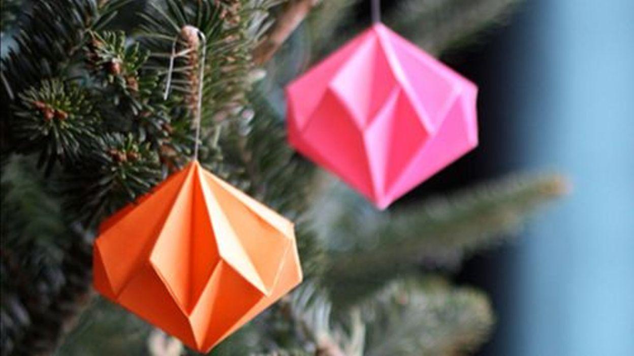 Diy des boules de no l - Origami boule de noel ...