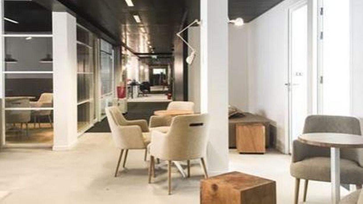 Location de bureaux en coworking à bruxelles stéphanie