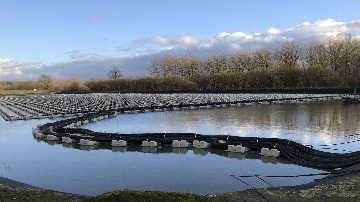 Des panneaux photovoltaïques sur l'eau: une première en Belgique