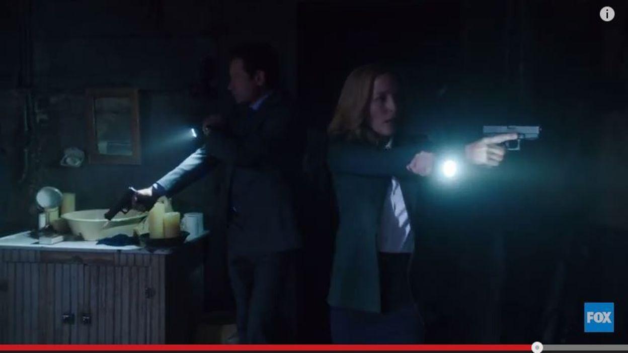 1993 X Files Scully SET of 4 Pins Mulder Gillian Anderson Dana /& Fox