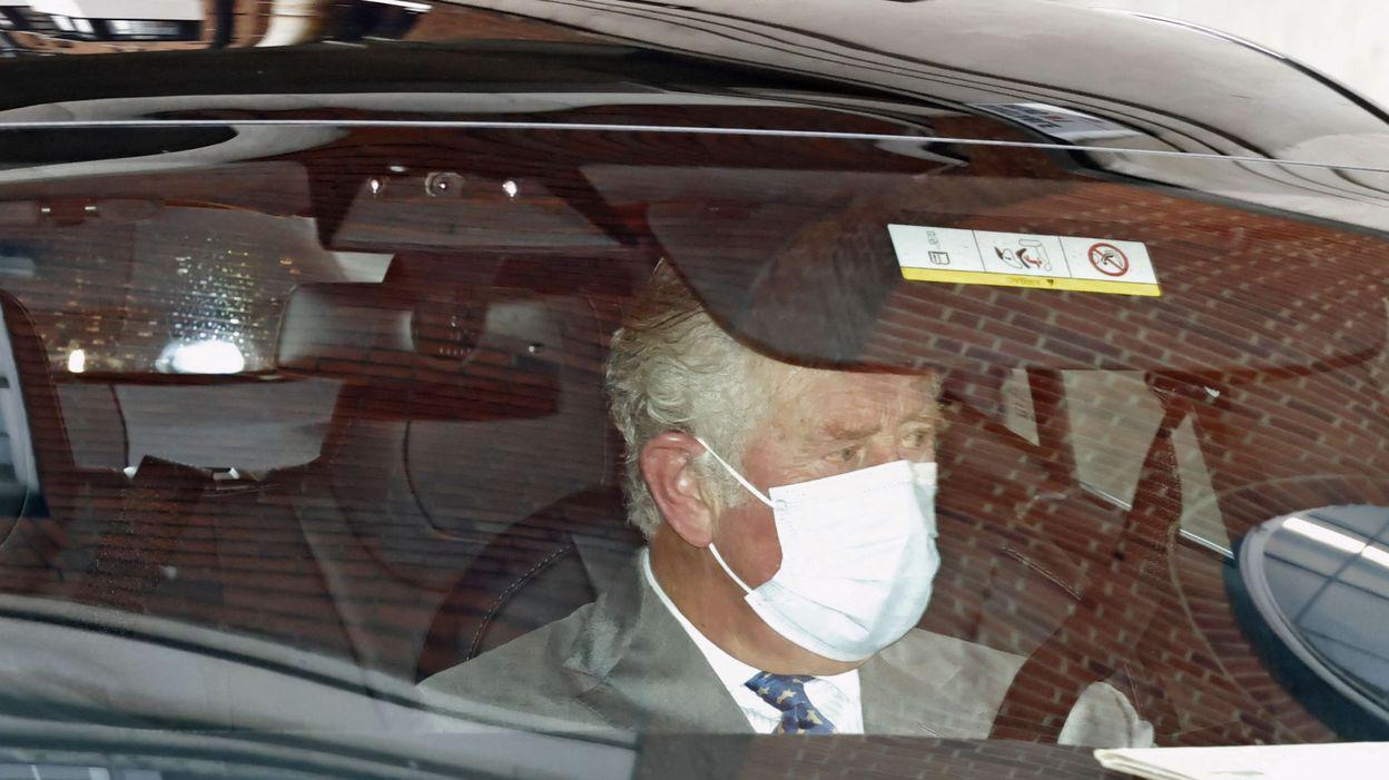 Info Le prince Charles rend visite à son père le prince Philip, hospitalisé - RTBF