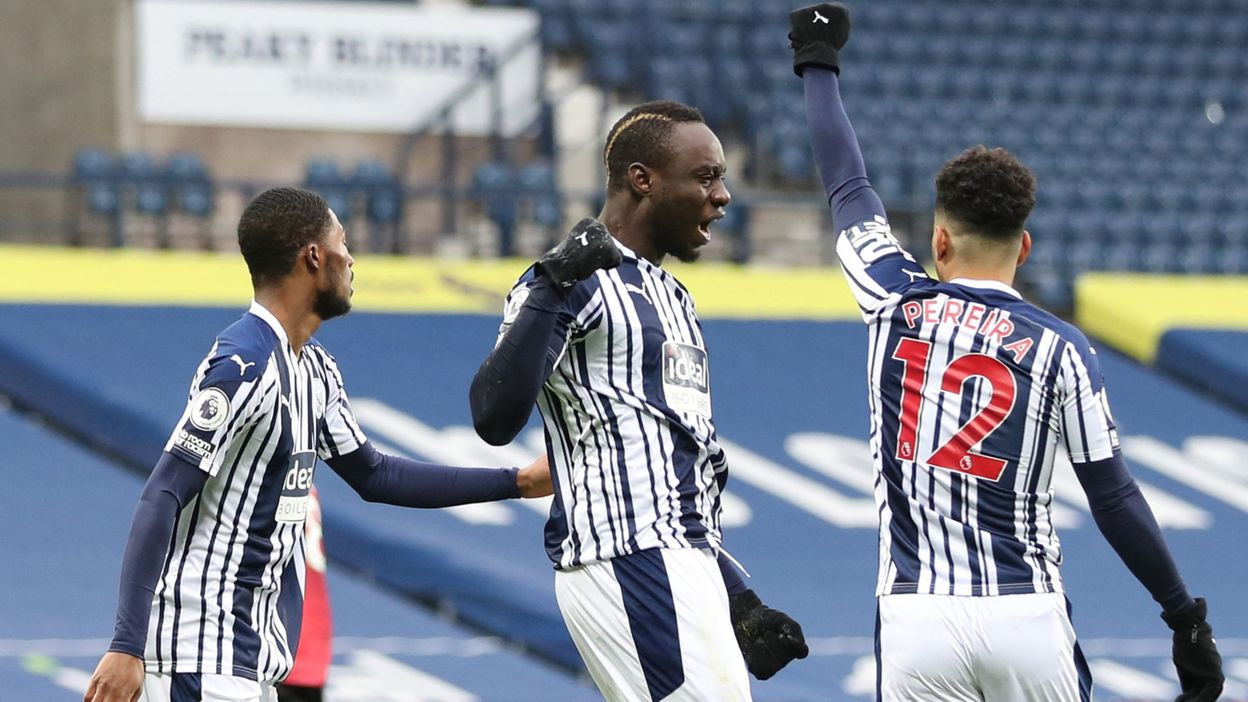 West Brom - Manchester United : Diagne inscrit un but très rapide, Fernandes égalise avec un bijou - RTBF
