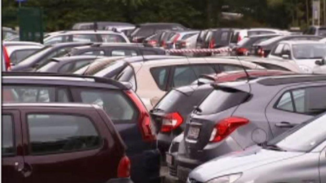 Focus voitures d 39 occasion qui se cache derri re les for Garage qui reprend les voitures d occasion