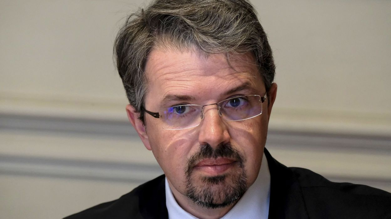 Procès des attentats de Bruxelles: le procureur fédéral pas favorable à une cour d'assises