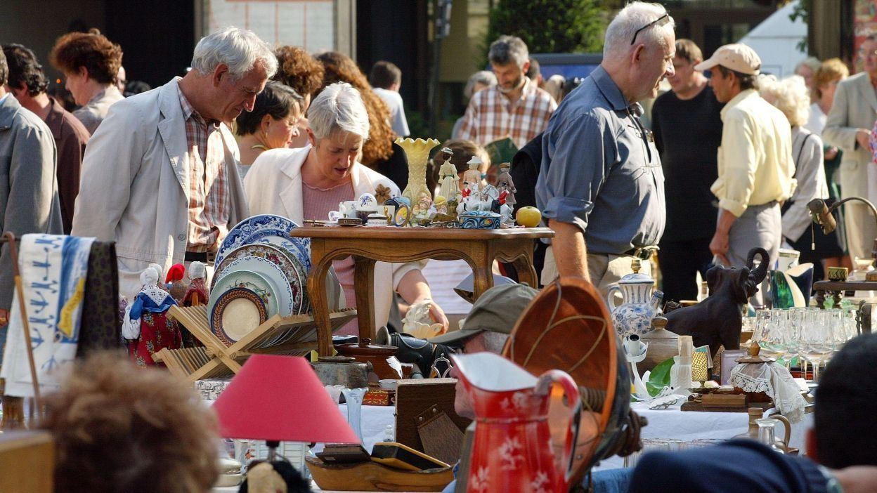 Brocante de temploux 150 000 visiteurs attendus ce week end - Brocante a paris ce week end ...