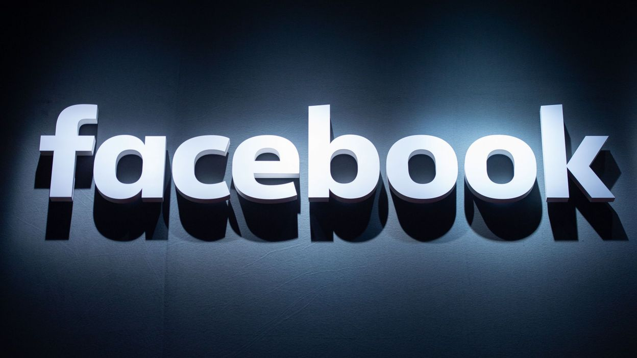 Bras de fer contre Facebook en Australie: derrière les questions de droits d'auteurs, des enjeux économiques colossaux