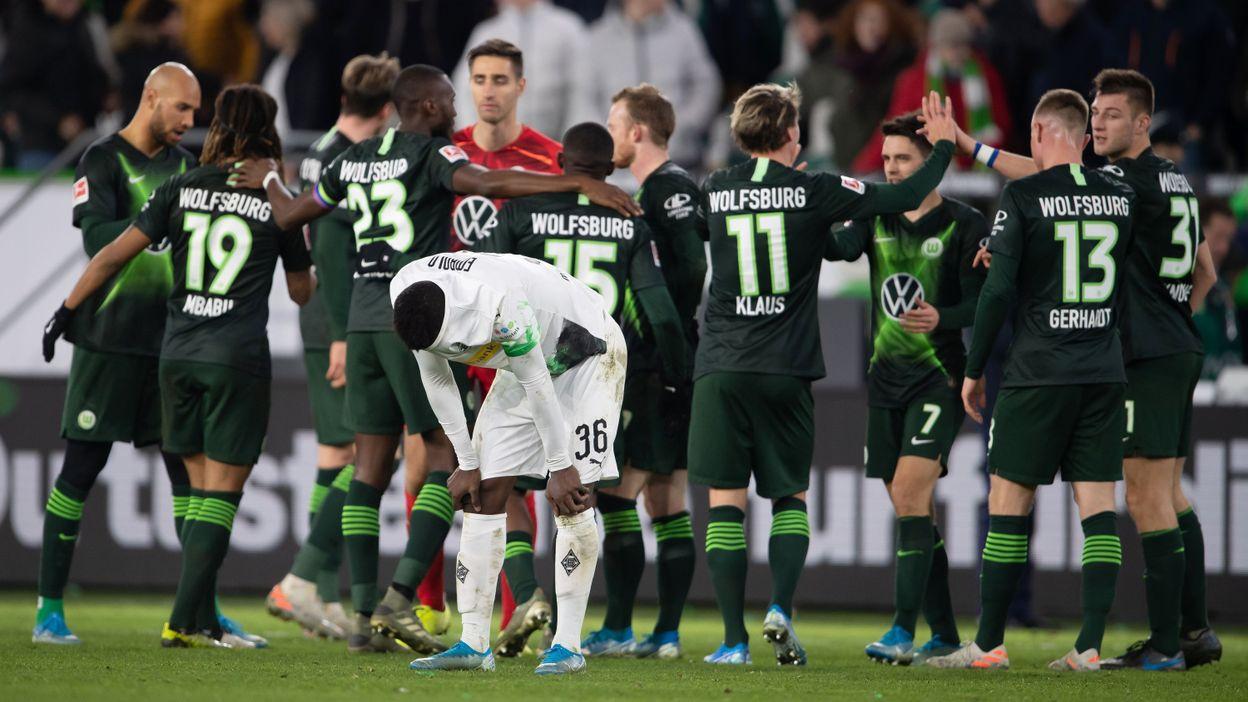 Wolfsburg et Casteels font plier Mönchengladbach dans les arrêts de jeu, Leipzig nouveau leader