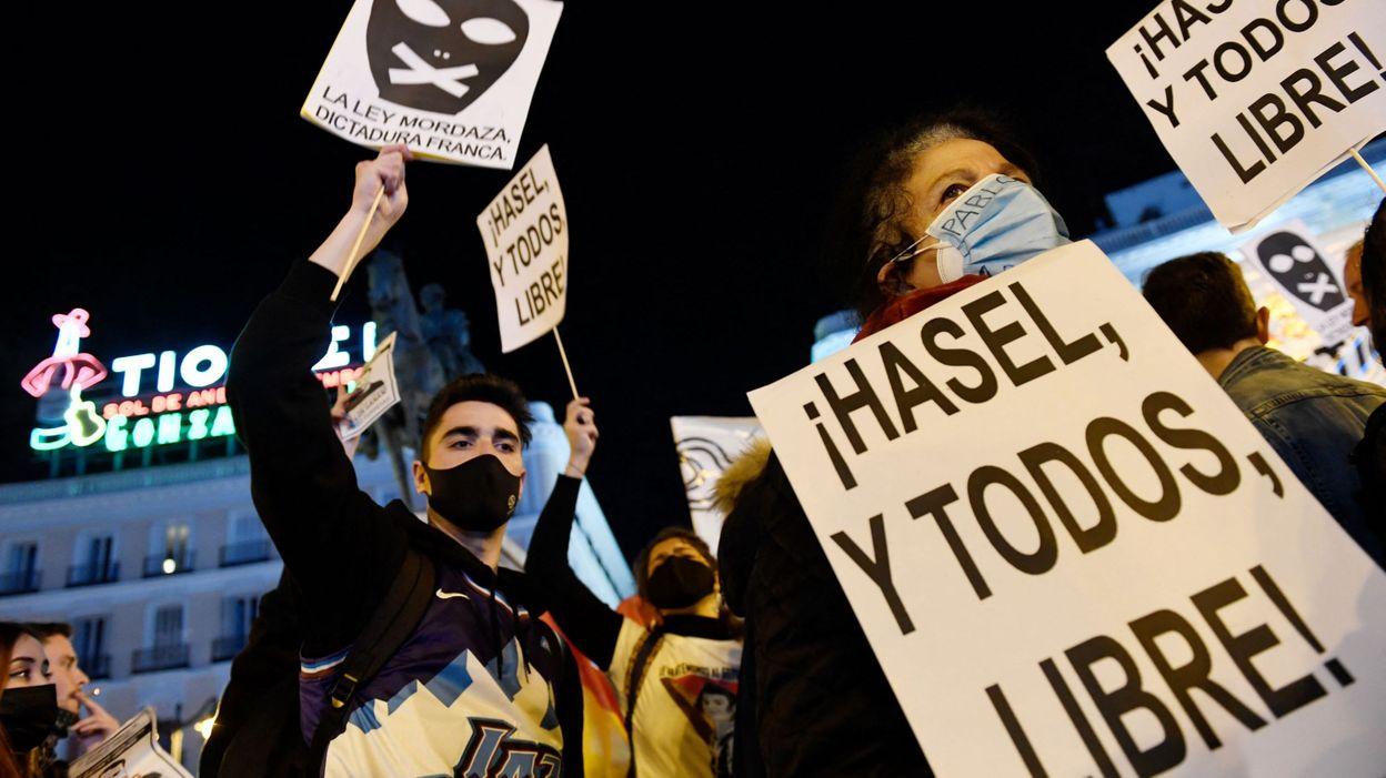 Emeutes et protestations en Espagne : la liberté d'expression est-elle en danger ? - RTBF