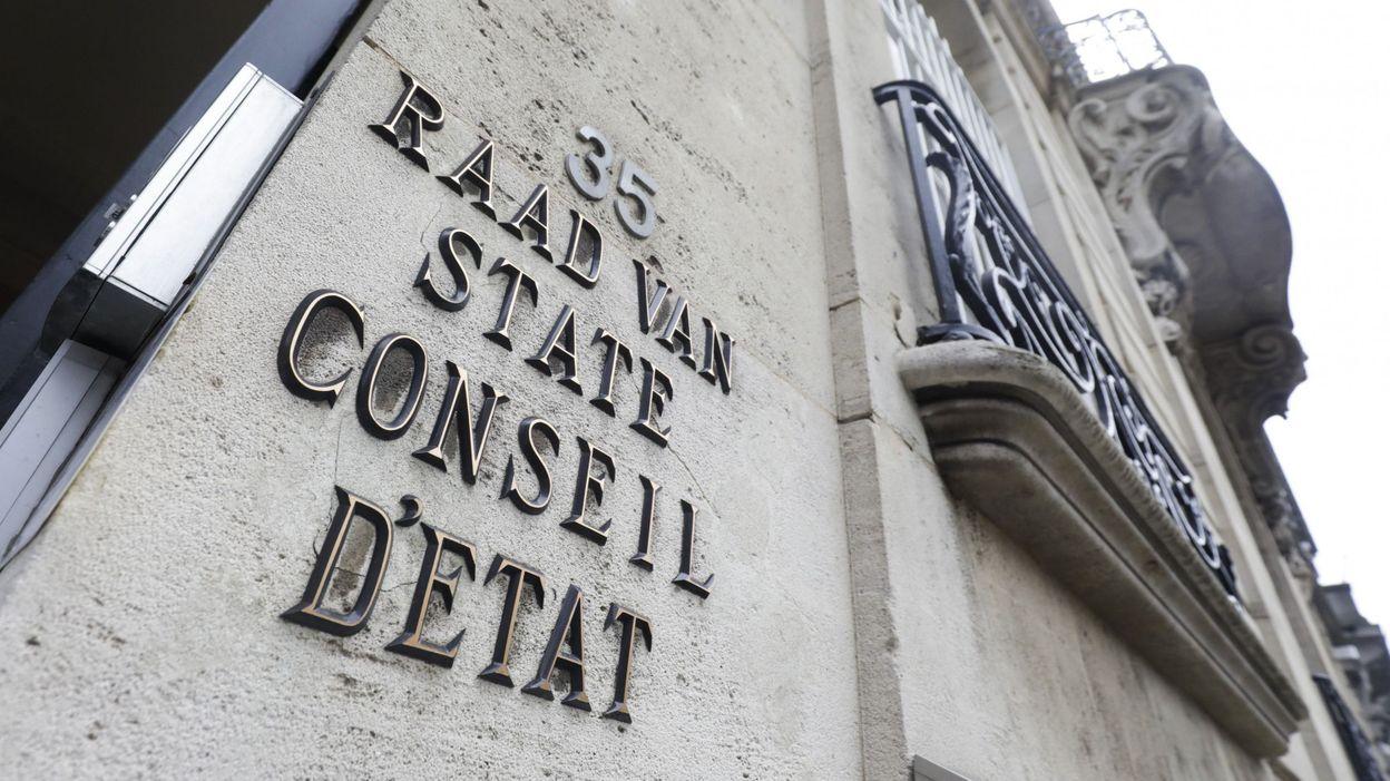 Tracing des travailleurs : la LDH introduit un recours au Conseil d'Etat contre l'arrêté ministériel - RTBF