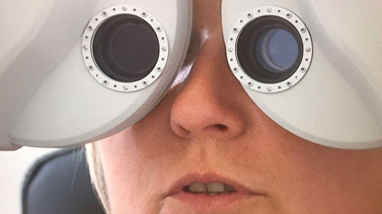 8a0233a6e662eb On a testé la méthode pour voir sans lunettes   ça marche ou pas