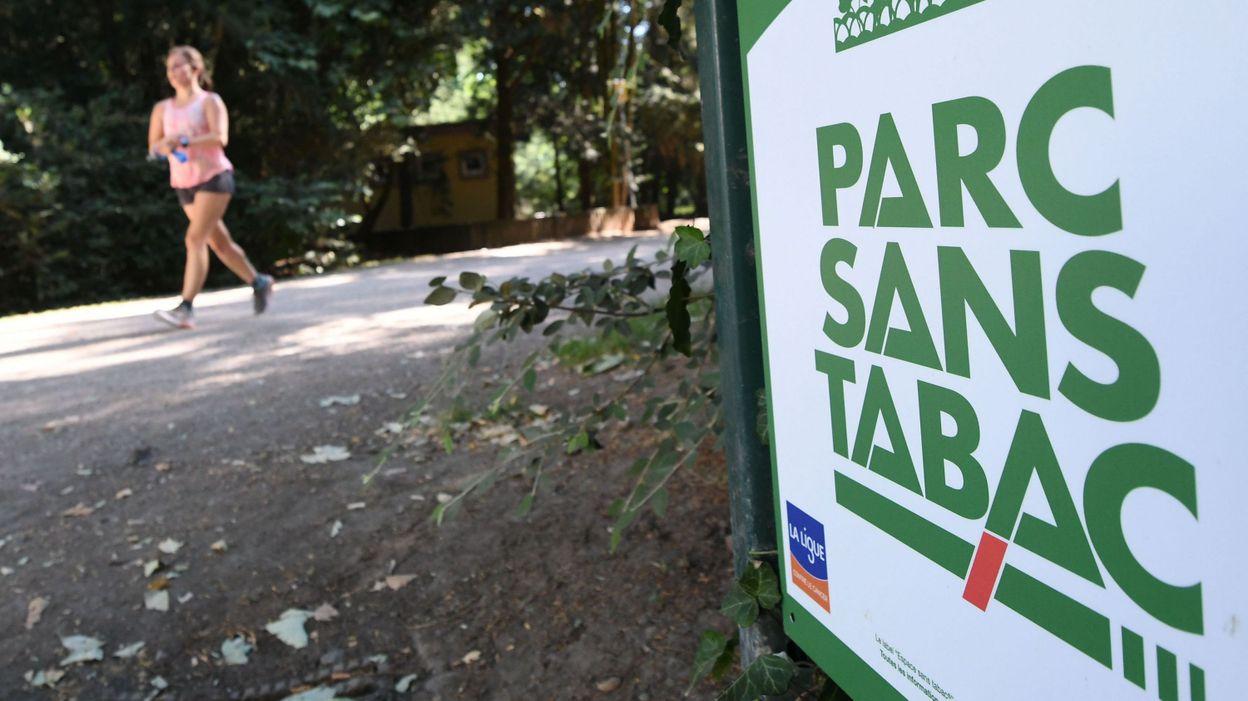Un parc belge avec des zones interdites aux fumeurs