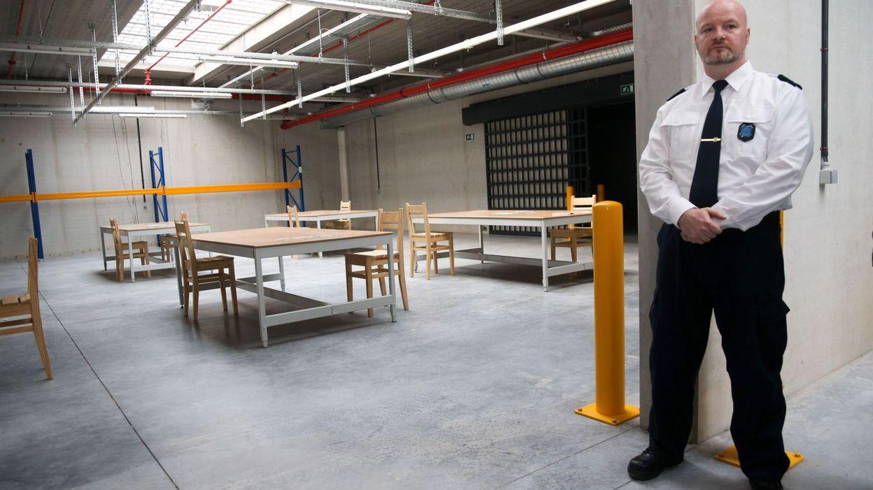 journ e portes ouvertes la prison de leuze en hainaut. Black Bedroom Furniture Sets. Home Design Ideas