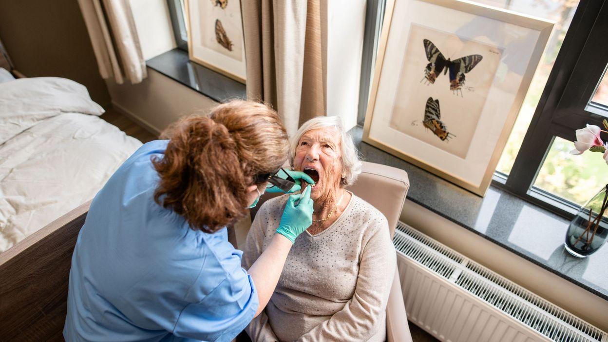 Dentalmobilis: des dentistes mobiles au chevet des patients dépendants