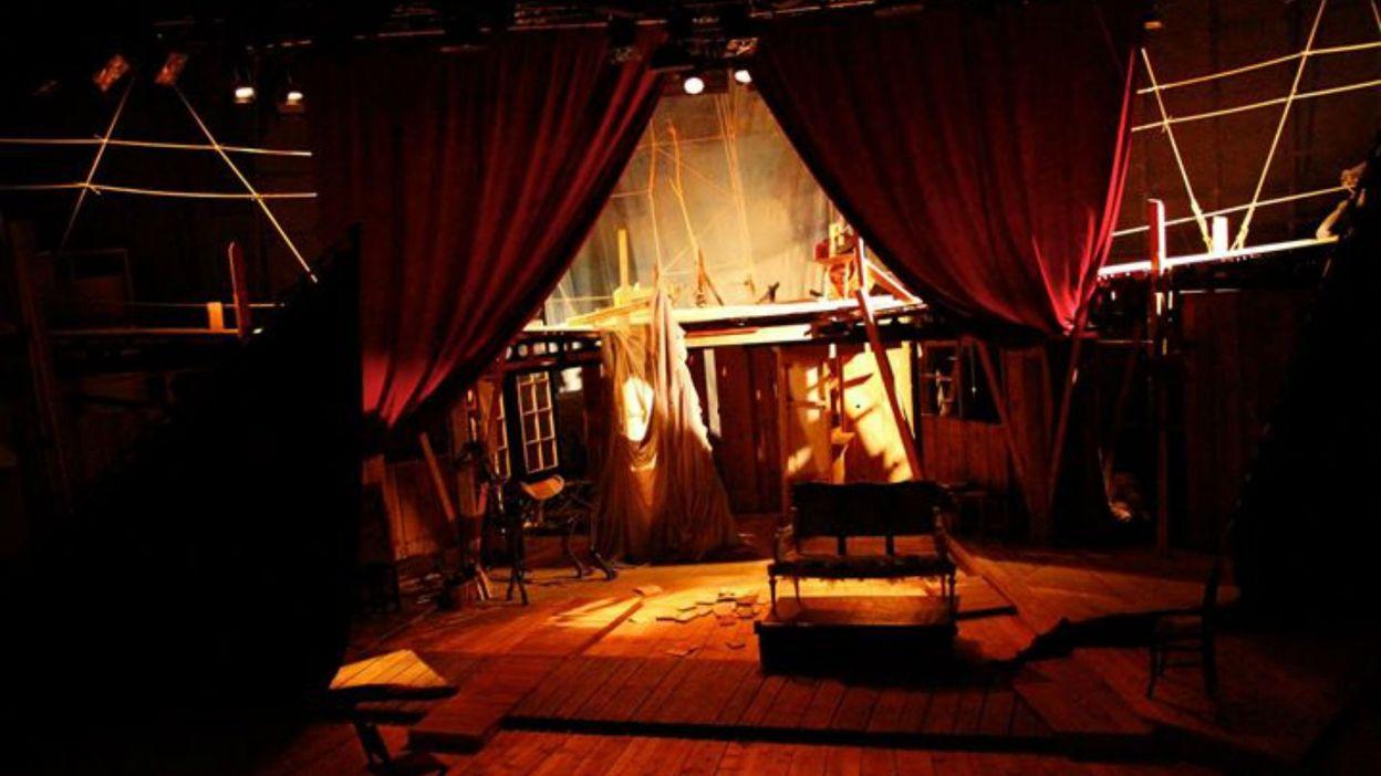 Le th tre du soleil pr pare une nouvelle cr ation une for Chambre 13 theatre