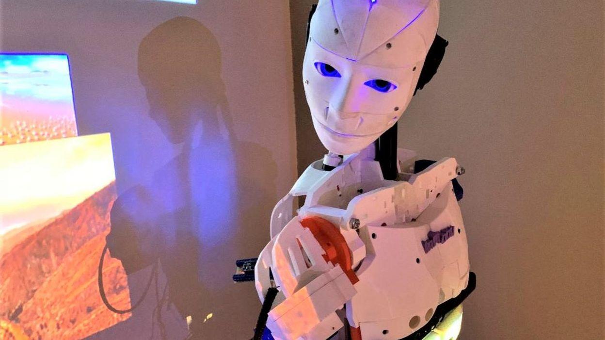 Gwenaël de Gerpinnes n'a pas ménagé ses efforts pour sa passion : la confection d'un robot - RTBF