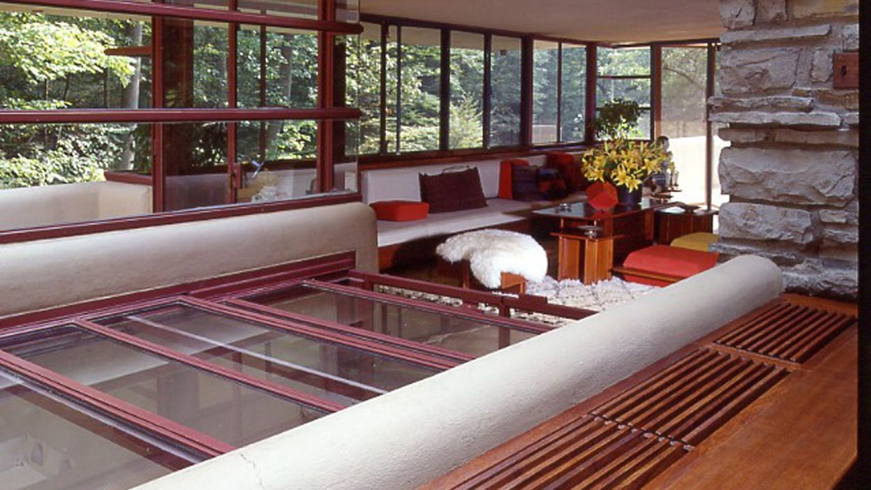 Maison de vacances d 39 architecte fallingwater de frank for Architecture organique exemple